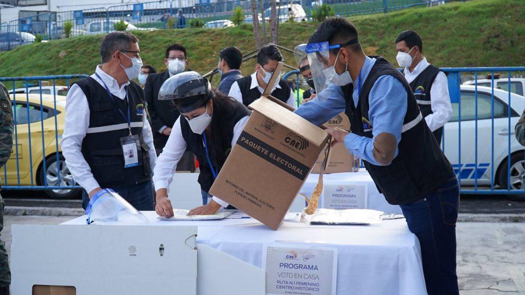16 binomios compiten en la liza electoral, la cifra más alta en la historia del país. Foto: CNE